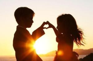 evening_romantic_child_love_couple-images